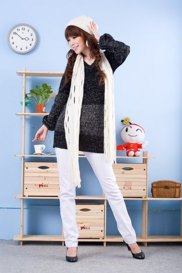 Korean Fashion Wholesale [D2-X820] Pretty Bow on back Long Sleeve Sweater- Black