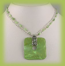 Necklace & Earring Set Peridot colored Shells & Sim. Pearl Beads New