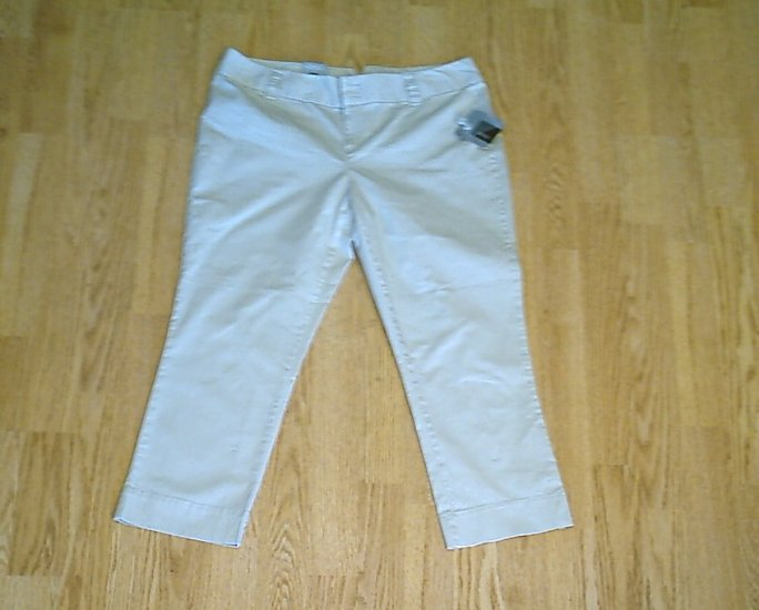 MOSSIMO JEANS LOW RISE CROPPED PANTS-SIZE 6-32 X 23-NWT
