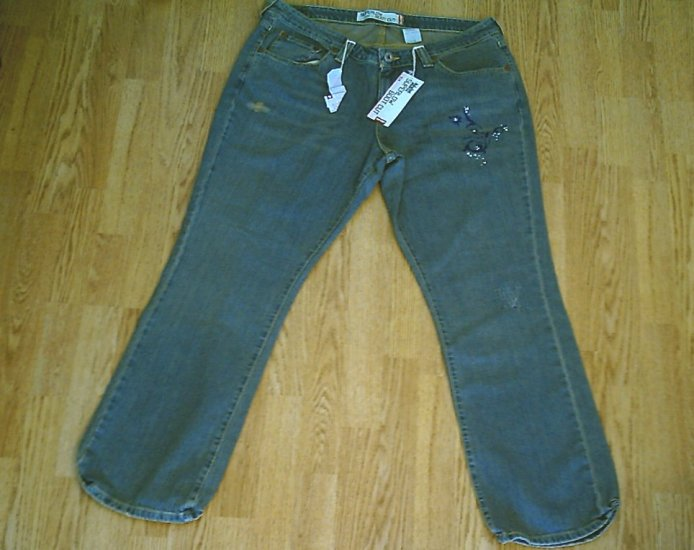 LEVIS 518 SUPERLOW BOOTCUT STRETCH JEANS-17-39 X 33-NWT