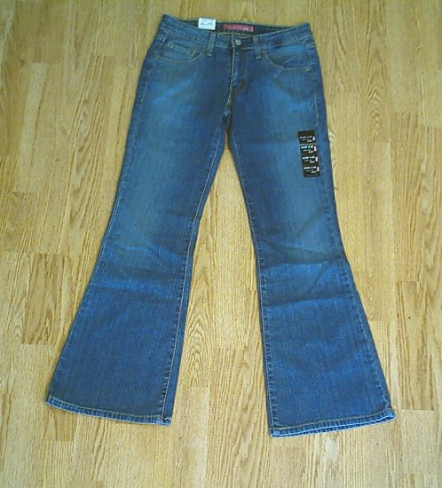 LEVIS 519 LOW RISE FLARE STRETCH JEANS-5-29 X 32-NWT