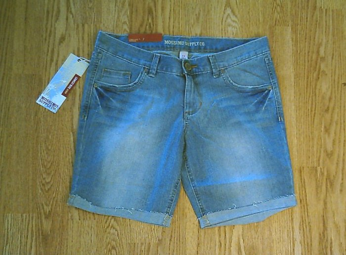 MOSSIMO JEANS LOW RISE BERMUDA SHORTS7-33 X 8.5-NWT