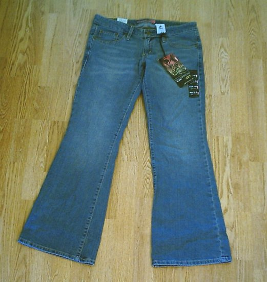 LEVIS 524 FLARE STRETCH JEANS-SIZE 9-33 x 32 1/2-NWT