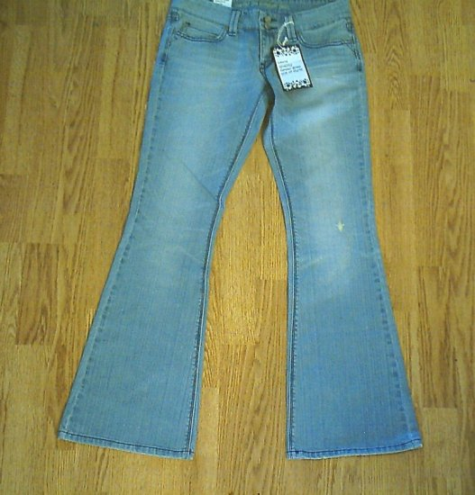 LEVIS 423 LOW RISE BELL FLARE JEANS-SIZE 5-31 X 33-NWT