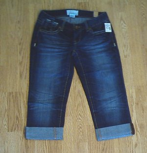 MAURICES JEANS LOW RISE CAPRIS-SIZE 1/2-30 X 20-NWT