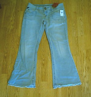 VANITY IVORY FLARE STRETCH JEANS-34 x 31-TAG 30-NWT