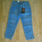 LEVIS JEANS RED TAB CAPRIS CROP PANT-SIZE 4-28 X 25-NWT