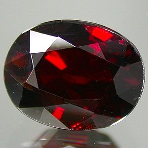 Natural 3.32 ct Dark Red Spessartite Garnet Oval 9x7mm gem