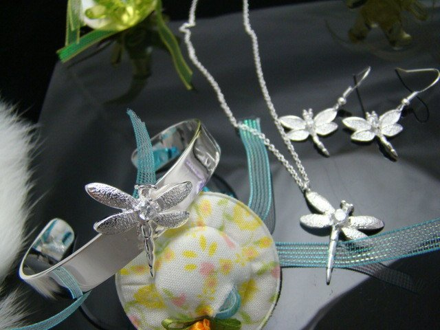 FREE P&P!925 SILVER dragonfly BRACELET & NECKLACE #S105