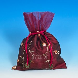 Maroon Mini Pull-Close Pouch(Floral Embroidery Fabric)