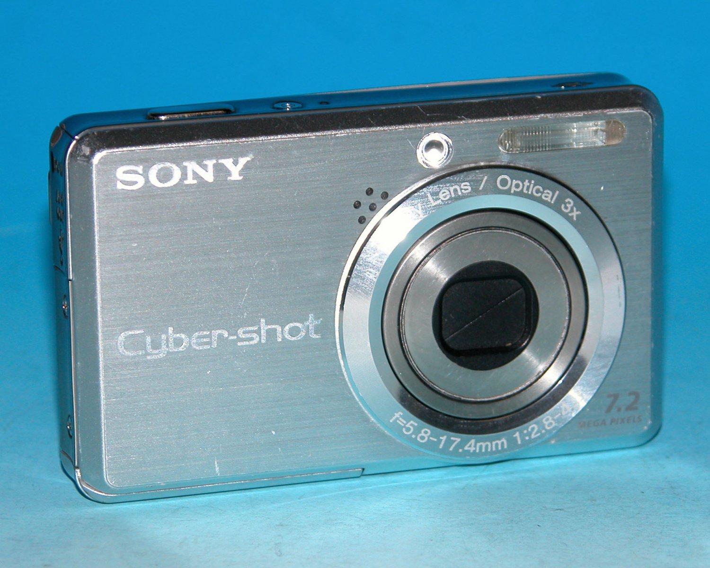 Sony Cyber-shot DSC-S750 7.2MP Digital Camera - Silver #8757