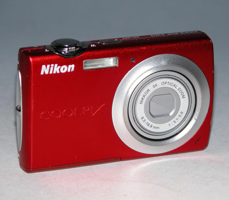 Nikon Coolpix S203 10.0MP Digital Camera - Red #8978