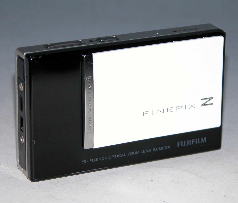 Fujifilm FinePix Z100FD 8.0MP Digital Camera - Black/White - #2497