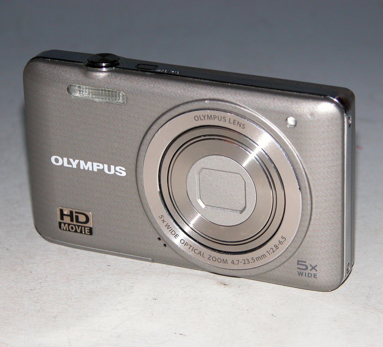 Olympus VG-140 14MP Digital Camera - Silver #5407