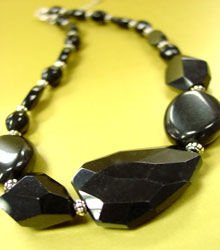 Black Carved Stone Beads Necklace 1N113632