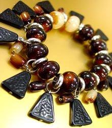 Brown Lucite Beads Black Disks Bracelet 1B0431852