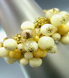 Beige Lucite Gold Beads Toggle Bracelet 1B1255225