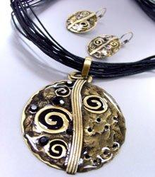 Black Epoxy Crystals Antique Necklace Set