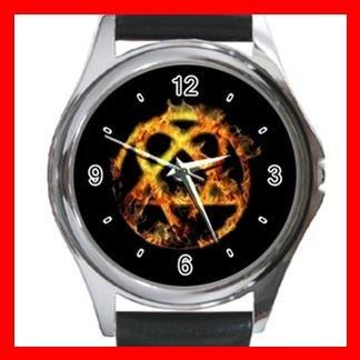 Golden Heartagram Round Metal Wrist Watch Unisex 031