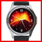 Volcano Fire Mountain Round Metal Wrist Watch Unisex 043