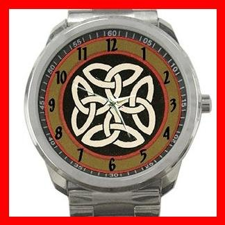 Rare Traditional Celtic Knot Silvertone Silvertone Sports Metal Watch 040