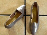 VTG. MAGDESIANS DK. TAUPE DISTRESS LEATHER DRESS SHOES