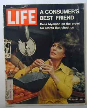 1971 July 16 Life Magazine Bess Myerson.  Louis Armstrong.  Maggie Smith. Wilbur Mills