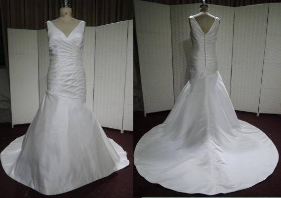 #LE1101 - V Neck Wedding Dresses for Plus Size Women