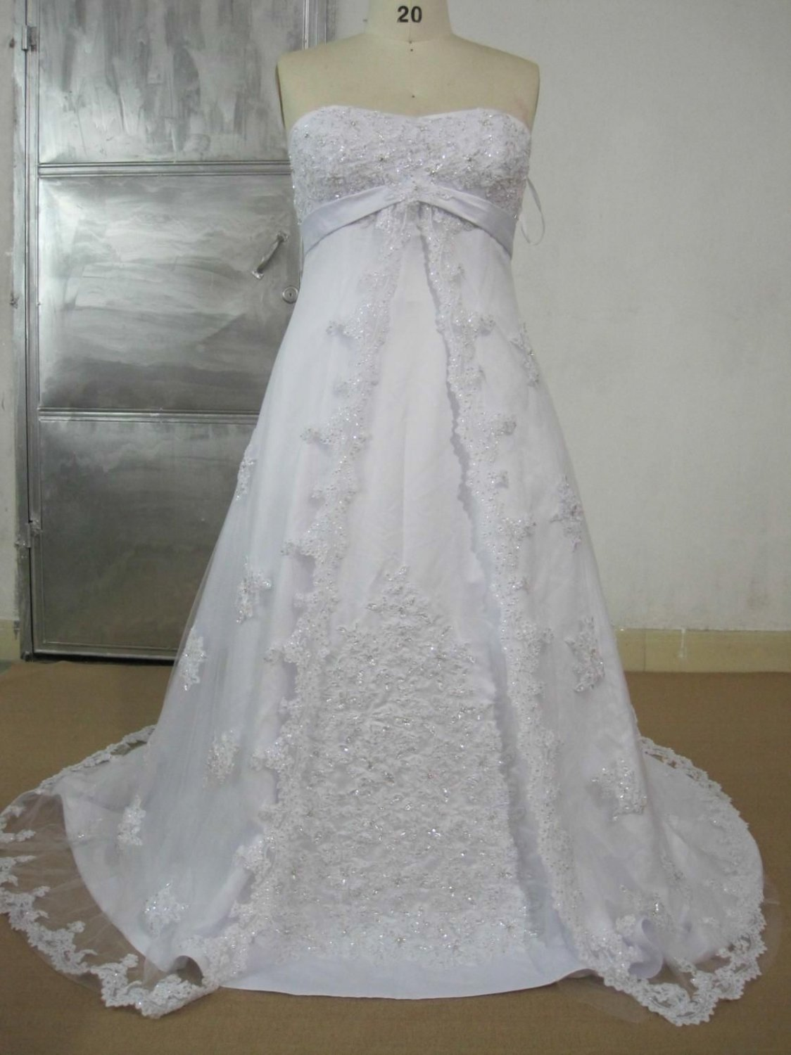 #Lea44 - Strapless Plus Size Lace Wedding Gowns with Empire Waist