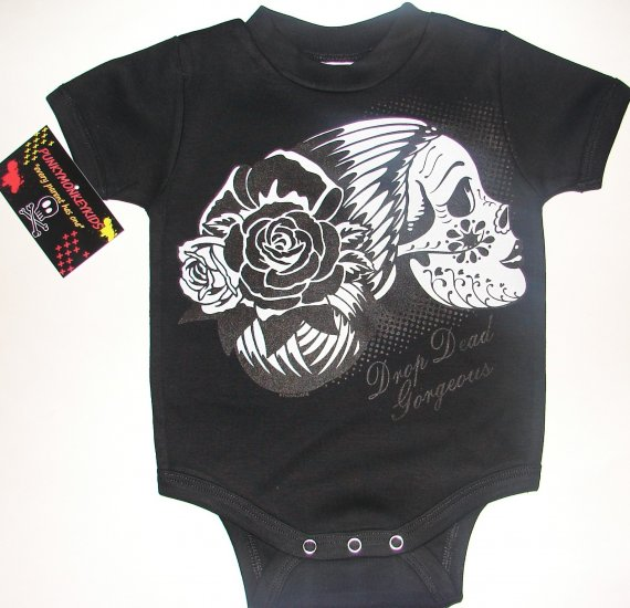 "NEW BLACK PUNKY TATTOO STYLE ONESIE OR TEE OF A LADY SKULL WITH WORDING ""DROP DEAD GEORGEOUS"
