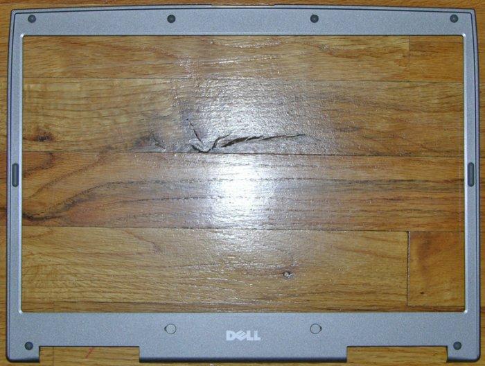 """DELL INSPIRON 8500 8600 15.4"""" LCD BEZEL 9T971 / 09T971"""