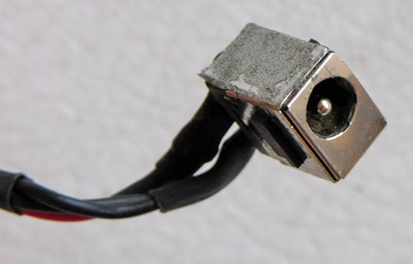 COMPAQ V5000 SERIES  POWER DC JACK w/ CABLE DC020006N00