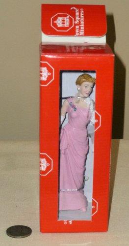 Dollhouse Miniature Resin Lady in Gown Figurine NIB