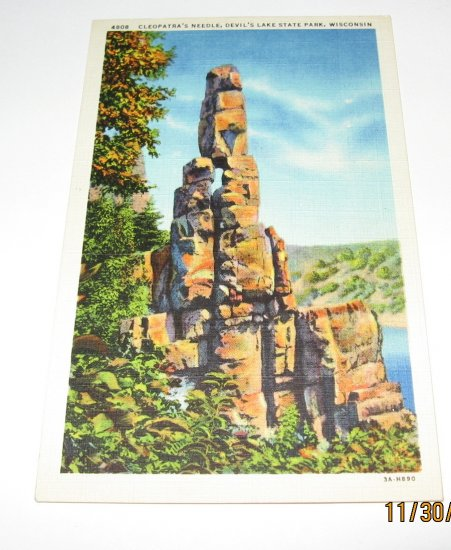 Cleopatra's Needle Devil's Lake State Park,Wis. postcard W21