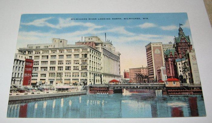 Milwaukee River looking north,Milwaukee,Wis. postcard w31