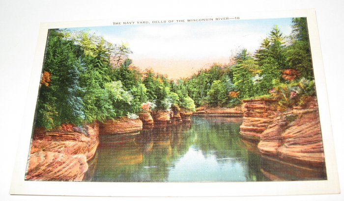 The Navy Yard,Dells of the Wisconsin River postcard  W40