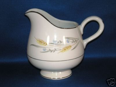 SMALL SINGLE CREAMER PITCHER AS SHOWN