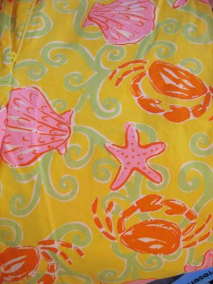 Lilly Pulitzer capri pants yellow with shells & crabs Size 2