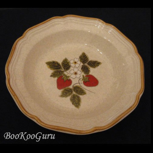 Mikasa STRAWBERRY FESTIVAL Cereal or Salad Bowl, Mikasa Pottery,Perfect Condition