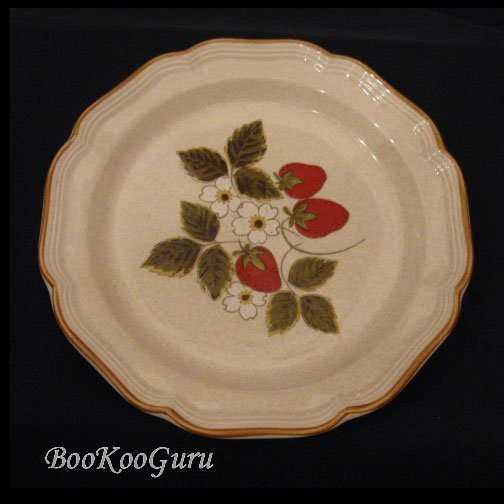 Mikasa STRAWBERRY FESTIVAL Serving Platter, Mikasa Pottery,Large Plate, Perfect