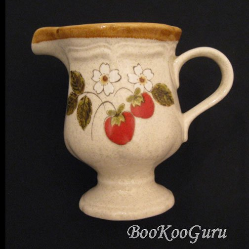 Mikasa STRAWBERRY FESTIVAL Creamer, Small Pitcher, Mikasa Pottery, Perfect