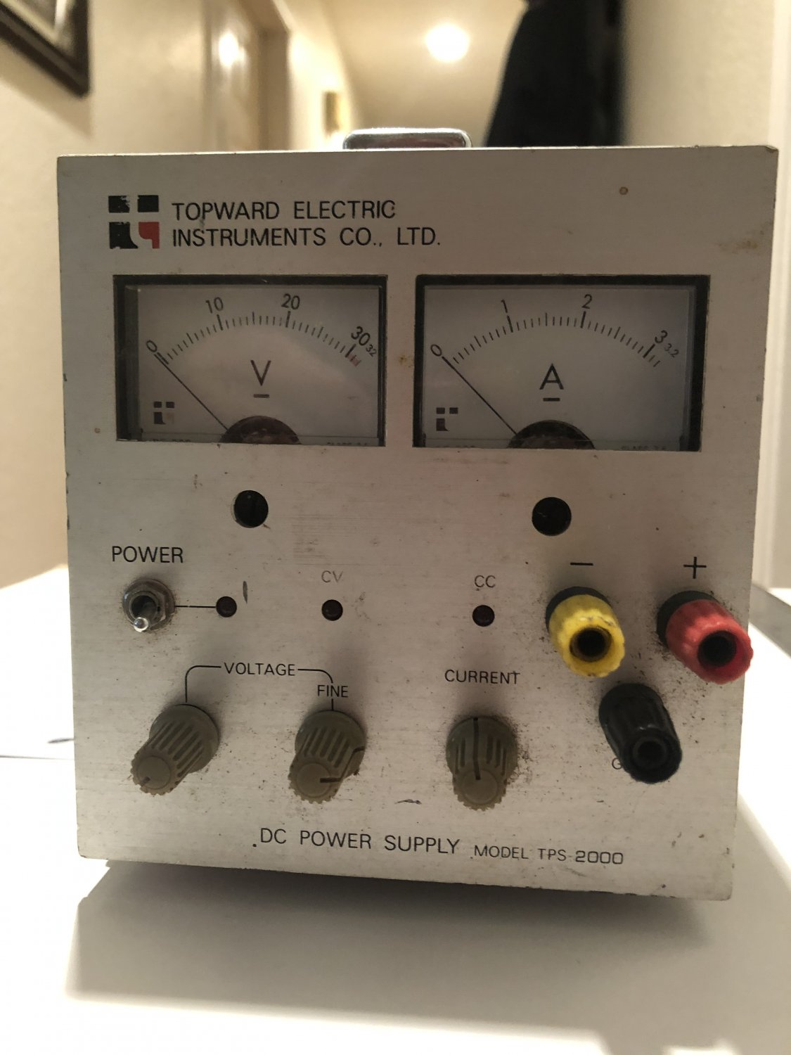 Topward TPS 2000 Adjustable DC Power Supply
