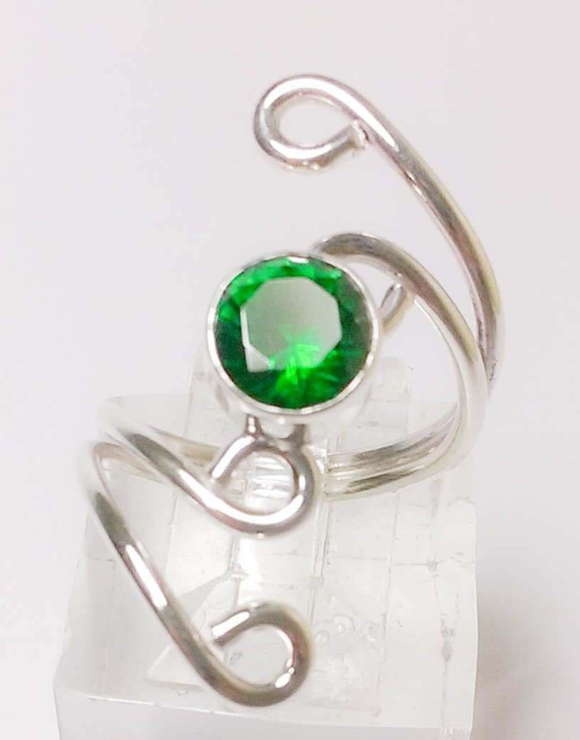 HANDMADE STERLING SILVER .925 RING WITH EMERALD CZ STONE