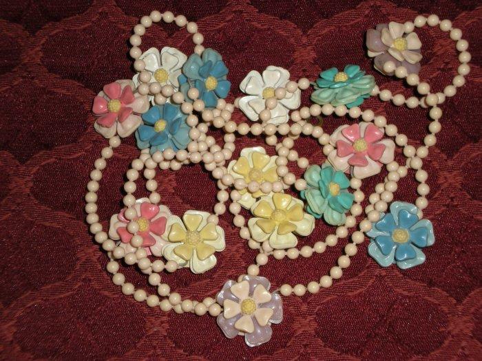 Vintage Plastic Floral Necklace