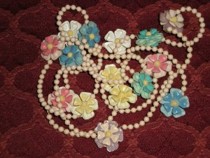 Vintage Plastic Floral Necklace