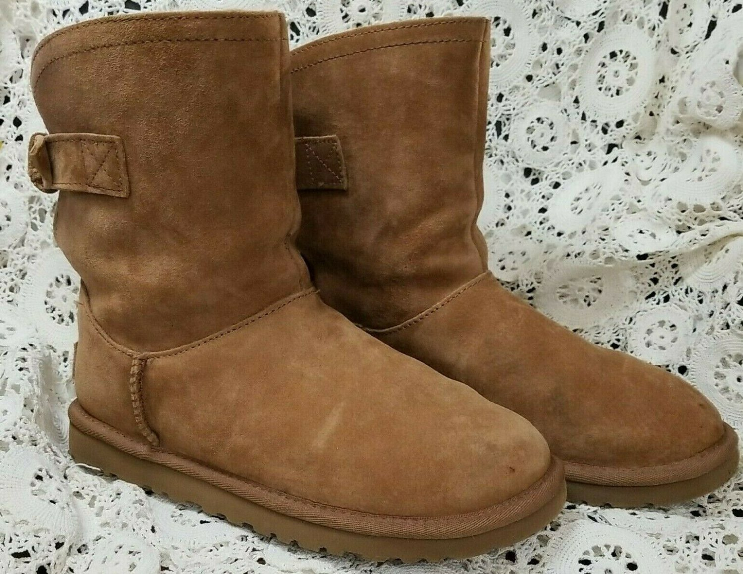 UGG Australia Ladies Boots Size 6 US Brown Remora Back Buckle