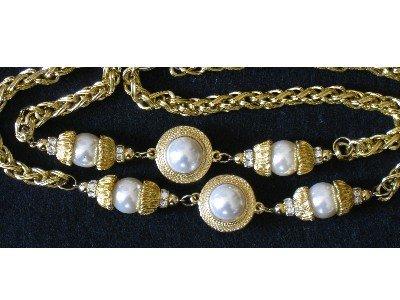 Large Gold-tone Imitation Pearl Necklace with Rhinestones!