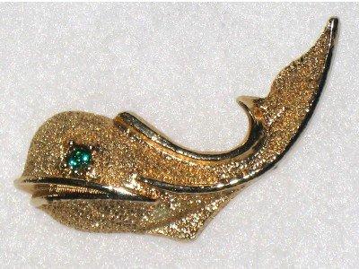 Gold tone Whale Pin, Rhinestone Eye, Fish, Nautical