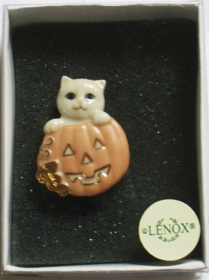 Lenox Halloween Pin, Cat with Pumpkin, New In Box