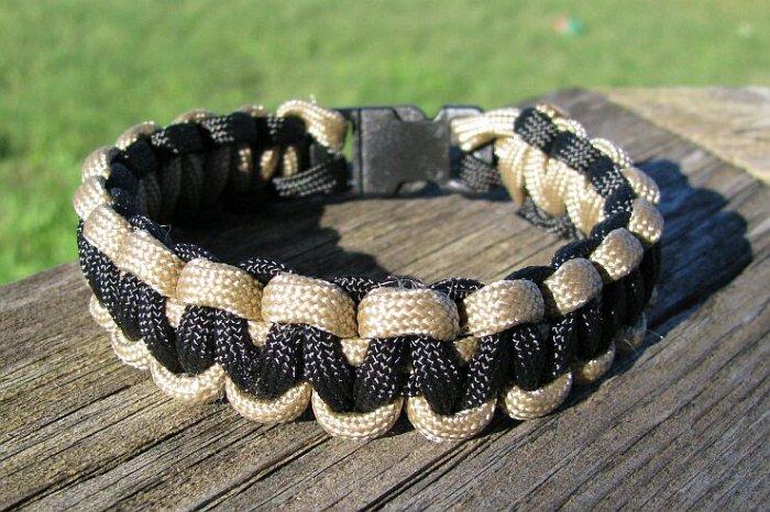 7 Inch Tan & Black Paracord Bracelet